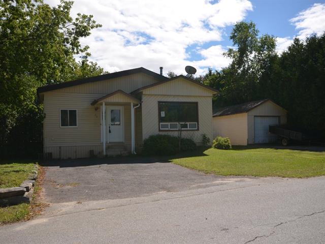 Mobile home for sale in Saint-André-Avellin, Outaouais, 16 - 16A, Rue  Lanthier, 25857965 - Centris.ca