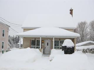 Maison à vendre à Weedon, Estrie, 238, Rue  Saint-Janvier, 27924007 - Centris.ca