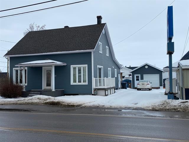 Maison à vendre à Desbiens, Saguenay/Lac-Saint-Jean, 1317, Rue  Hébert, 25202616 - Centris.ca
