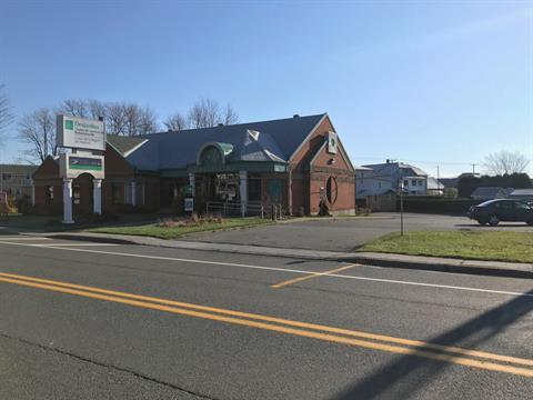 Bâtisse commerciale à vendre à Thetford Mines, Chaudière-Appalaches, 5824, boulevard  Frontenac Est, 22859402 - Centris.ca