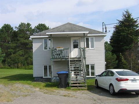 Maison à vendre à Saint-Louis-du-Ha! Ha!, Bas-Saint-Laurent, 27 - 27A, Rue  Pelletier, 23923609 - Centris.ca