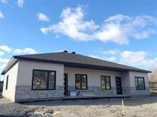 Maison à vendre à Saint-Honoré, Saguenay/Lac-Saint-Jean, 111, Rue  Savard, 27134651 - Centris.ca