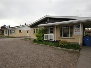 Commercial building for sale in Saguenay (Chicoutimi), Saguenay/Lac-Saint-Jean, 698, boulevard  Talbot, 14652818 - Centris.ca