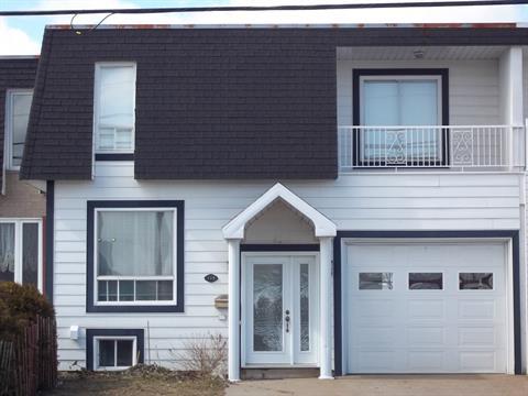 House for sale in Sept-Îles, Côte-Nord, 135, Rue  Régnault, 22863867 - Centris.ca