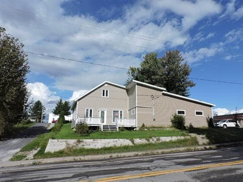 Maison à vendre à Saint-Augustin (Saguenay/Lac-Saint-Jean), Saguenay/Lac-Saint-Jean, 756, Rue  Principale, 28927087 - Centris.ca
