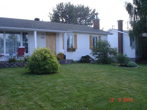 House for sale in Baie-Comeau, Côte-Nord, 1821, Rue  Jourdain, 21107127 - Centris.ca