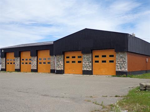 Bâtisse commerciale à vendre à Sainte-Anne-des-Monts, Gaspésie/Îles-de-la-Madeleine, 250, boulevard  Sainte-Anne Est, 24745963 - Centris.ca