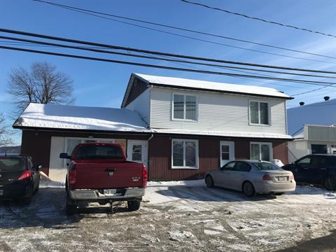 Triplex for sale in Weedon, Estrie, 324 - 336, 2e Avenue, 16659600 - Centris.ca