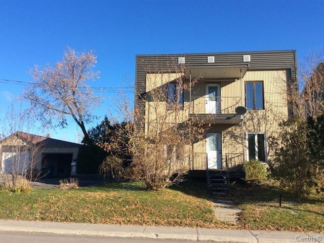 Maison à vendre à Saguenay (Jonquière), Saguenay/Lac-Saint-Jean, 3778, Rue  Saint-Pierre, 22851278 - Centris.ca