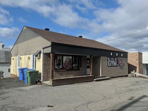 Bâtisse commerciale à vendre à Saint-Côme/Linière, Chaudière-Appalaches, 1308, Rue  Principale, 23406687 - Centris.ca