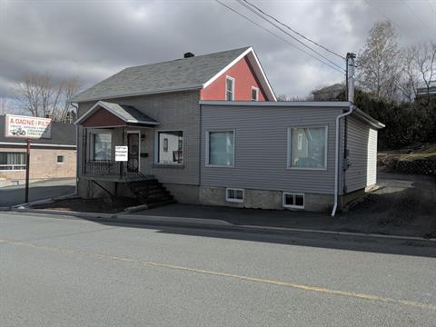 Maison à vendre à Saint-Côme/Linière, Chaudière-Appalaches, 1357, Rue  Principale, 20594953 - Centris.ca