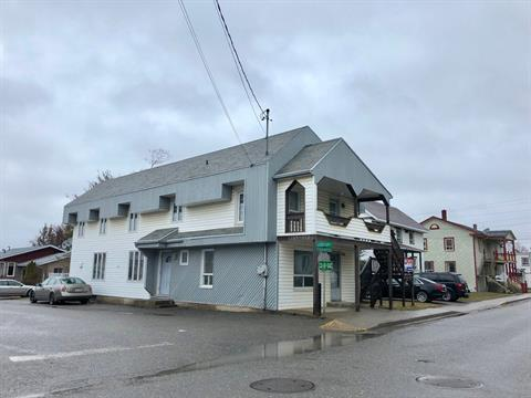 Maison à vendre à L'Isle-Verte, Bas-Saint-Laurent, 106, Rue  Saint-Jean-Baptiste, 26347664 - Centris