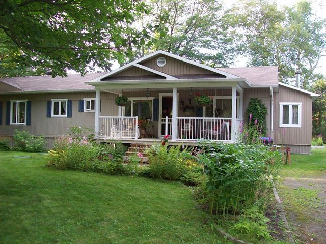 Mobile home for sale in Lévis (Les Chutes-de-la-Chaudière-Est), Chaudière-Appalaches, 3, Avenue  Robitaille, 23809454 - Centris.ca
