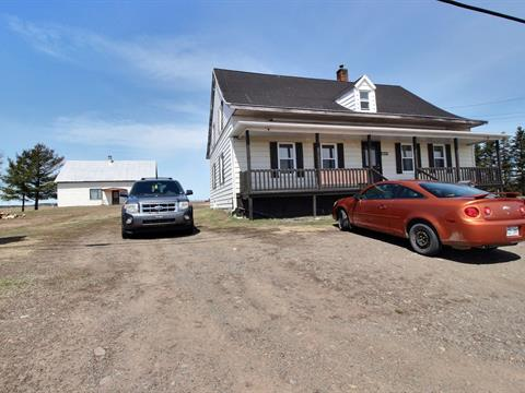 Maison à vendre à Saint-Pascal, Bas-Saint-Laurent, 1233, Route  230 Est, 12286381 - Centris.ca