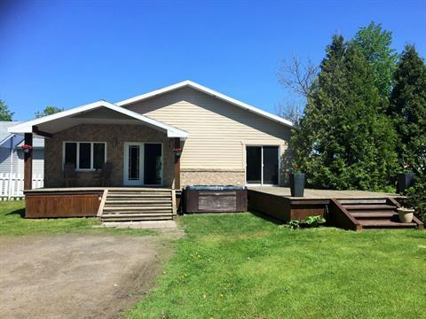 Chalet à vendre à Métabetchouan/Lac-à-la-Croix, Saguenay/Lac-Saint-Jean, 180, Rue  Saint-Georges, 24063219 - Centris.ca