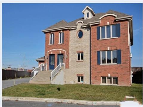 Triplex for sale in Brossard, Montérégie, 7960 - 7964, Rue  Lemelin, 10721638 - Centris.ca