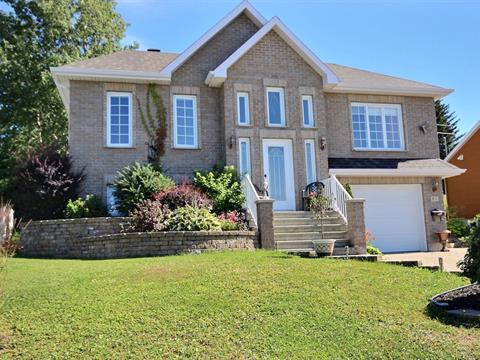 House for sale in Rimouski, Bas-Saint-Laurent, 811, Rue des Buissons, 14636450 - Centris.ca