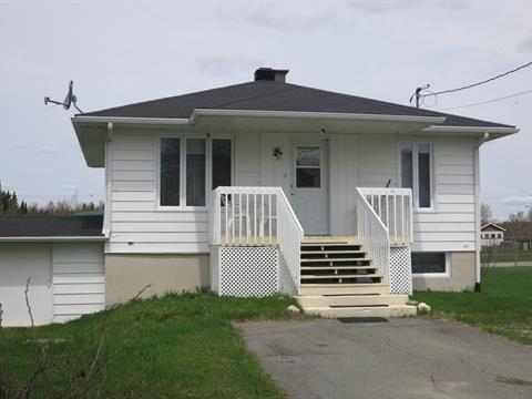 House for sale in Sainte-Lucie-de-Beauregard, Chaudière-Appalaches, 37, Rue de l'Église, 23669439 - Centris
