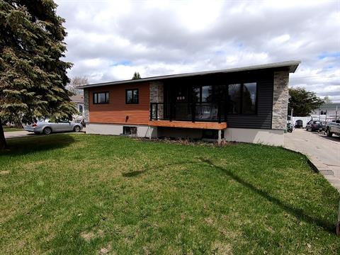 Maison à vendre à La Sarre, Abitibi-Témiscamingue, 569, Rue du Parc, 28260384 - Centris.ca