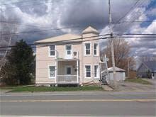 Duplex for sale in L'Avenir, Centre-du-Québec, 566A - 566B, Rue  Principale, 10535150 - Centris.ca