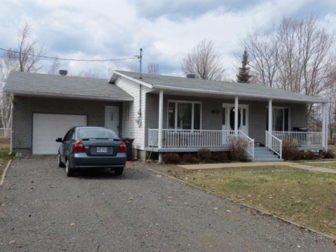 Maison à vendre à Sainte-Angèle-de-Prémont, Mauricie, 300, Chemin du Lac-Diane, 10809979 - Centris.ca