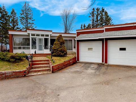 Maison à vendre à Rimouski, Bas-Saint-Laurent, 246, Rue du Coteau, 27396549 - Centris.ca