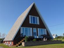 Maison à vendre à Matane, Bas-Saint-Laurent, 2571, Avenue du Phare Ouest, 11090225 - Centris
