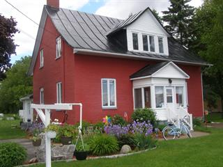 Maison à vendre à Batiscan, Mauricie, 1001, Rue  Principale, 15420579 - Centris.ca