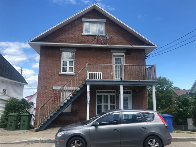 Triplex for sale in La Malbaie, Capitale-Nationale, 470 - 474, Rue  Richelieu, 16156696 - Centris.ca