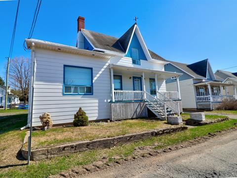 House for sale in Mont-Carmel, Bas-Saint-Laurent, 90, Rue  Notre-Dame, 26399436 - Centris