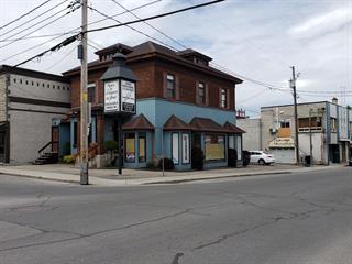 Duplex à vendre à Salaberry-de-Valleyfield, Montérégie, 30 - 30A, Rue  Sainte-Cécile, 27189440 - Centris.ca