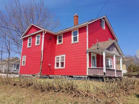 House for sale in New Carlisle, Gaspésie/Îles-de-la-Madeleine, 8, Rue  René-Lévesque, 11765839 - Centris.ca