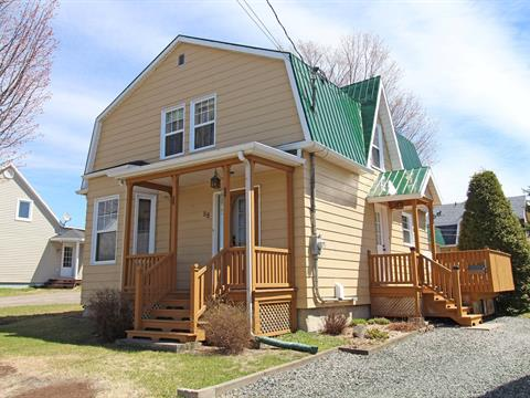 Maison à vendre à Sainte-Claire, Chaudière-Appalaches, 88, Rue de l'Église, 11734739 - Centris.ca