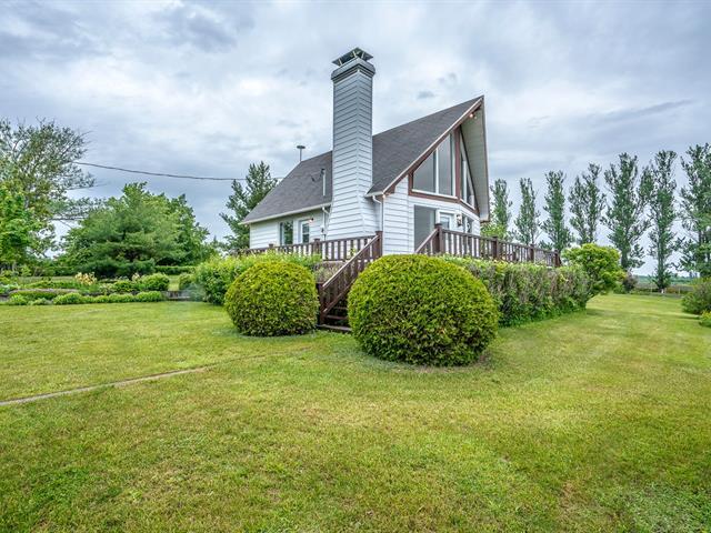 Chalet à vendre à Saint-François-de-l'Île-d'Orléans, Capitale-Nationale, 116, Chemin  Bosco, 14647049 - Centris.ca