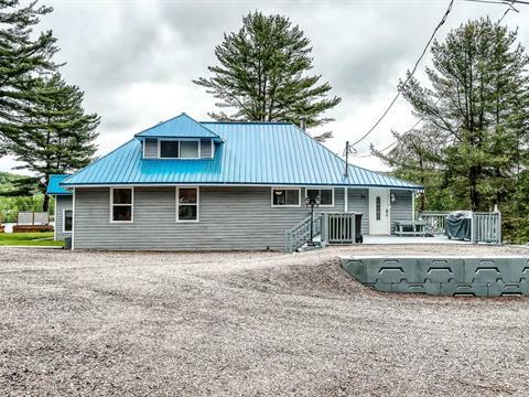 Maison à vendre à Notre-Dame-de-Pontmain, Laurentides, 34, Chemin  Giroux, 17101549 - Centris.ca