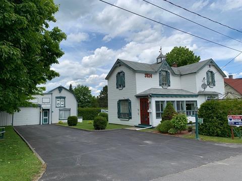 Maison à vendre à Saint-Augustin-de-Woburn, Estrie, 602, Rue  Périnet, 9295497 - Centris.ca