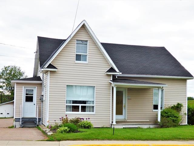 Maison à vendre à Saint-Félicien, Saguenay/Lac-Saint-Jean, 1335, Rue  Bellevue Sud, 12892816 - Centris.ca