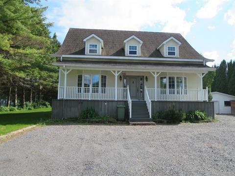 Maison à vendre à Saint-Ambroise, Saguenay/Lac-Saint-Jean, 14, Rue  Lemieux, 25805017 - Centris.ca