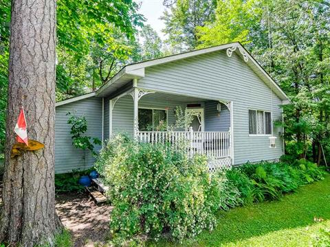 Cottage for sale in Bristol, Outaouais, 47, Chemin  Wharf, 9751842 - Centris.ca