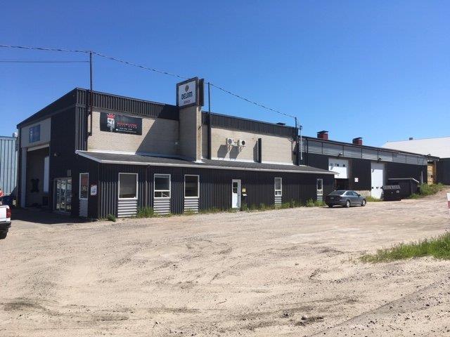 Bâtisse industrielle à vendre à Baie-Comeau, Côte-Nord, 3, Avenue  Narcisse-Blais, 12787948 - Centris.ca