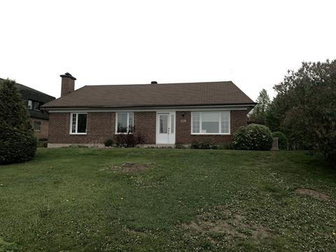 Maison à vendre à Lac-Etchemin, Chaudière-Appalaches, 220, 1re Avenue, 23288752 - Centris