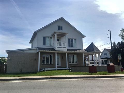 Maison à vendre à Price, Bas-Saint-Laurent, 92, Rue de l'Église, 13234398 - Centris.ca