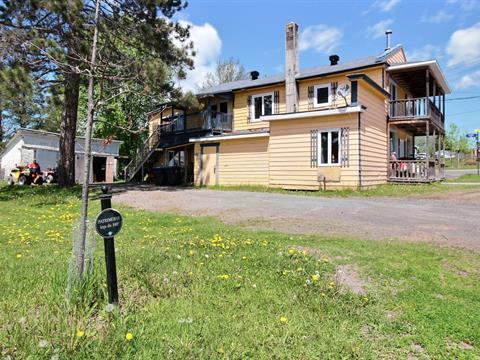 Triplex à vendre à Rivière-Bleue, Bas-Saint-Laurent, 80A - 80C, Rue  Saint-Joseph Nord, 20522126 - Centris