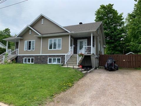 Maison à vendre à Mont-Laurier, Laurentides, 1628, Rue  Houle, 26070616 - Centris