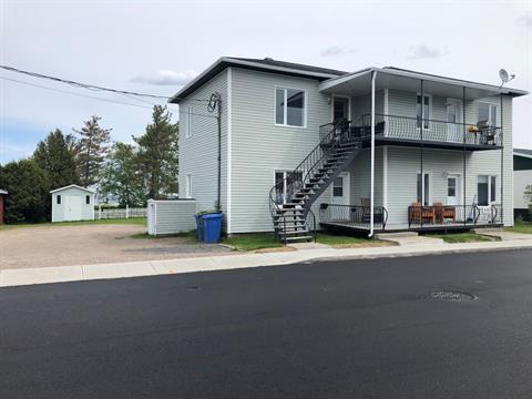 Quadruplex à vendre à Métabetchouan/Lac-à-la-Croix, Saguenay/Lac-Saint-Jean, 70 - 76, Rue  Saint-Georges, 10434633 - Centris.ca