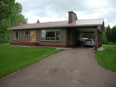 House for sale in Saint-Félicien, Saguenay/Lac-Saint-Jean, 1970, Route  Saint-Eusèbe, 26654477 - Centris