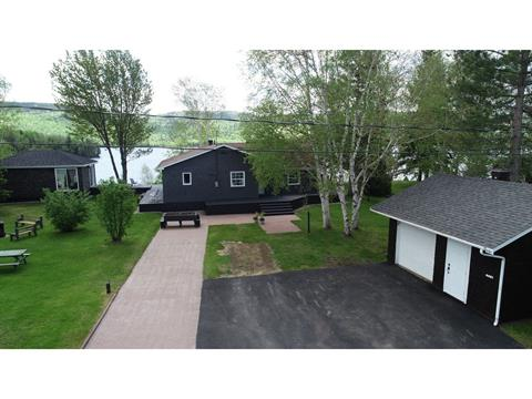 House for sale in Lac-Kénogami (Saguenay), Saguenay/Lac-Saint-Jean, 4481, Rue  Harvey, 27550912 - Centris