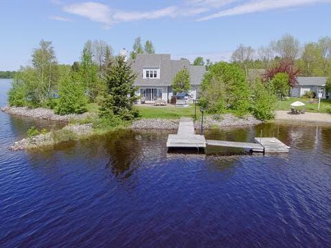 Maison à vendre à Lac-Kénogami (Saguenay), Saguenay/Lac-Saint-Jean, 1037, Rue de l'Anse, 19649108 - Centris