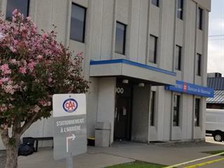 Local commercial à louer à Montréal (Rivière-des-Prairies/Pointe-aux-Trembles), Montréal (Île), 13000, Rue  Sherbrooke Est, local 103, 27516592 - Centris.ca