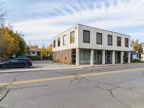 Bâtisse commerciale à vendre à Laval-Ouest (Laval), Laval, 3433 - 3435, boulevard  Sainte-Rose, 12904629 - Centris.ca